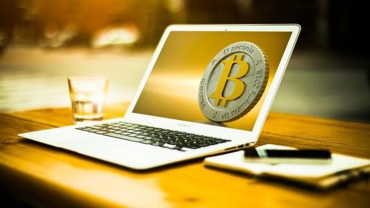 Trabalhar com internet: 5 atividades para ganhar dinheiro online